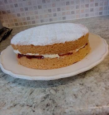 gluten free victoria sponge cake